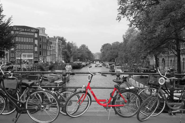 Amsterdam_Red_Bicycle